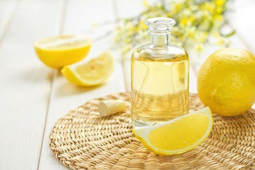 Πως να Φτιάξεις Αιθέριο Έλαιο Λεμονιού / DIY  Lemon Essential Oil