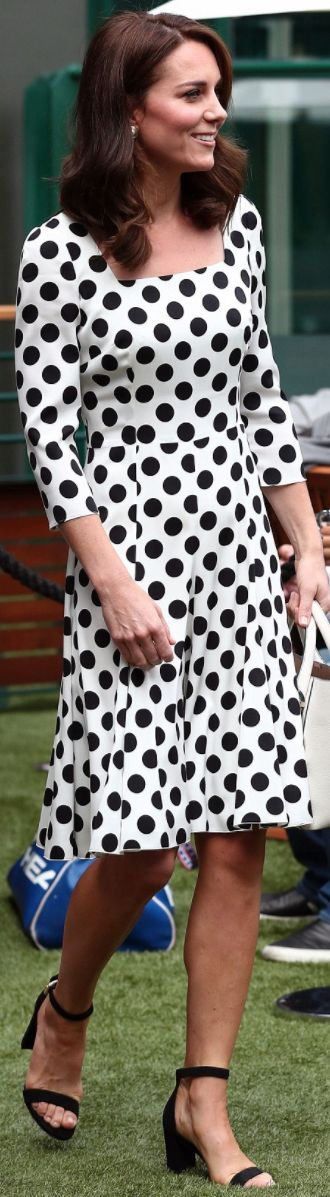 Kate Middleton: Dress – Dolce & Gabbana  Purse – Victoria Beckham Collection  Sunglasses – Bvlgari  shoes – Office Nina