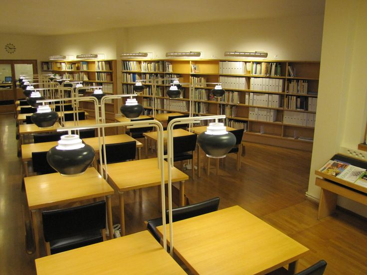 Maakuntakokoelma ja lukutila / Regional collection and a space for reading