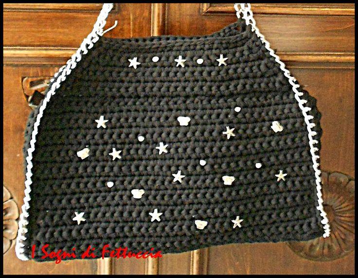 borsa in fettuccia di tulle nera, mod tipo Stella Mc Cartney, arricchita con borchiette, stelline e strass