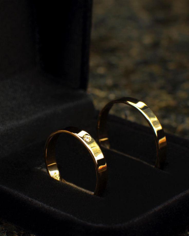 Ganhe o SIM no melhor estilo. Faça suas alianças em Santa Rosa de Viterbo. #alianças #ring #ouro #gold #prata #silver #love #amor #casamento #noivado #formatura #instalove #instaring #instagold #instasilver #ootd #lookdodia #pikoftheday #joias #jewel #jewelgram #instajewel #aliançasdecasamento #aliancasdeouro #wedding #voucasar #noiva #estilo