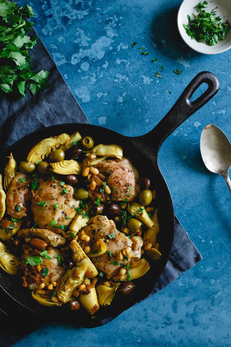 This one pan chicken artichoke olive skillet is filled with Mediterranean style ingredients for an easy weeknight meal packed with flavor. | #sponsored