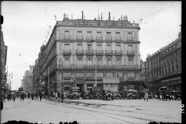 Puerta del sol hotel par s 1930 madrid ciudades antes for Hotel paris en madrid puerta del sol