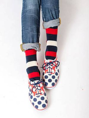 love the pattern mixing on these shoes/socks!!