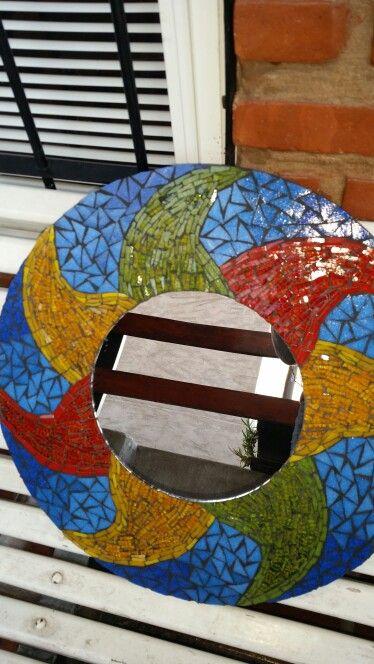 Espejo con marco en venecitas