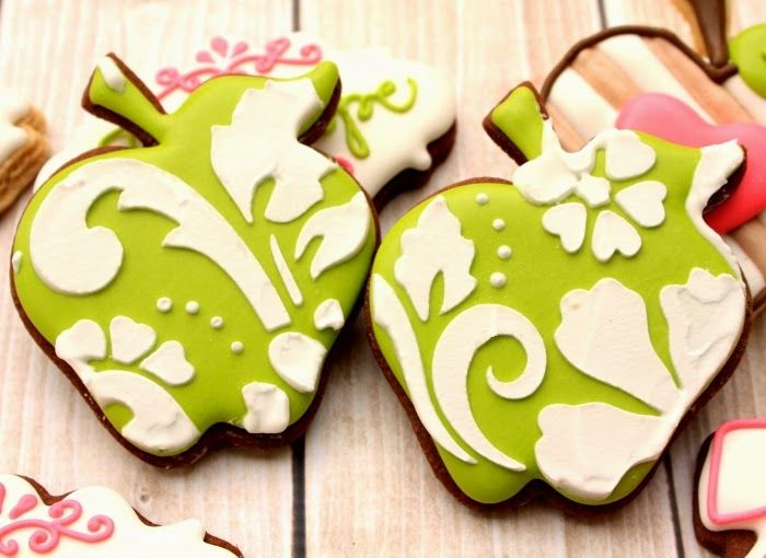 LilaLoa: How to Make Green Apple Colored Icing