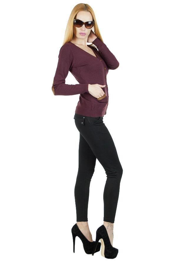 Pulover Dama Maxine  Pulover dama din material fin, moale la atingere, stil cardigan. Se inchide cu nasturi.  Detaliu - insertie de piele eco la maneci si buzunare.     Lungime: 56cm  Latime talie: 35cm  Compozitie: 30%Lana, 5%Casmir, 65%Piele Eco
