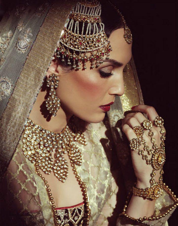 beautifulsouthasianbrides:  Photo by:Ashish Chawla Editorial from Hello India
