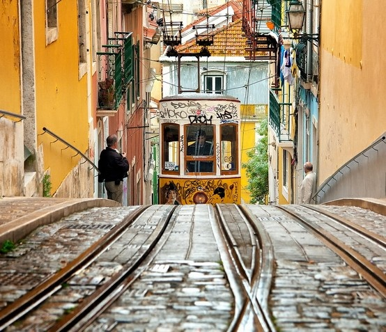 Ciudad: 5 Photos From Some of My Favorite Cities on Pinterest Lisbon Portugal #travelpinspiration
