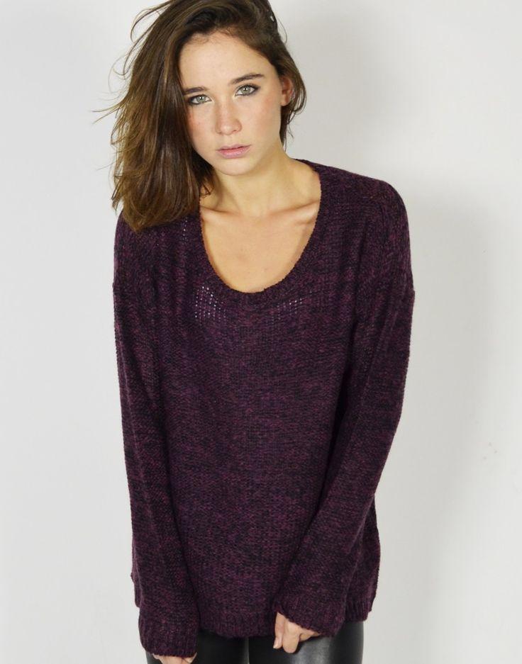 Suéter de punto calado y corte oversize con diseño holgado para chica joven. #Sueter #Sueterdepunto #Puntocalado #Modaonline #Tiendaonline #Modajoven #Tiendas13 http://tiendas13.com/punto/2861-sueter-punto-calado.html