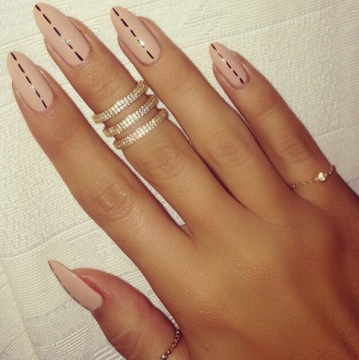 Pretty Simple Tip To Dress Up Plain Nude Nails