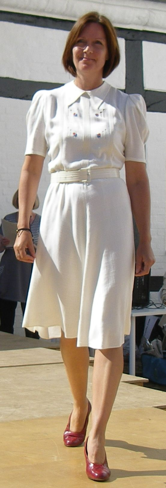 Historisk mode Bratskov 2013.  Kjole fra 1940-50
