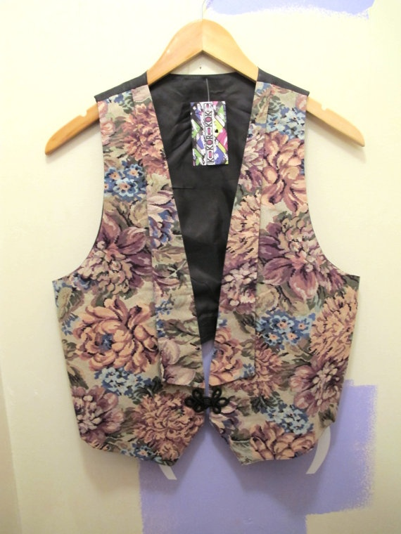 1980s New Romantic Floral Vest in Pinks by kokorokoko on Etsy, $16.00