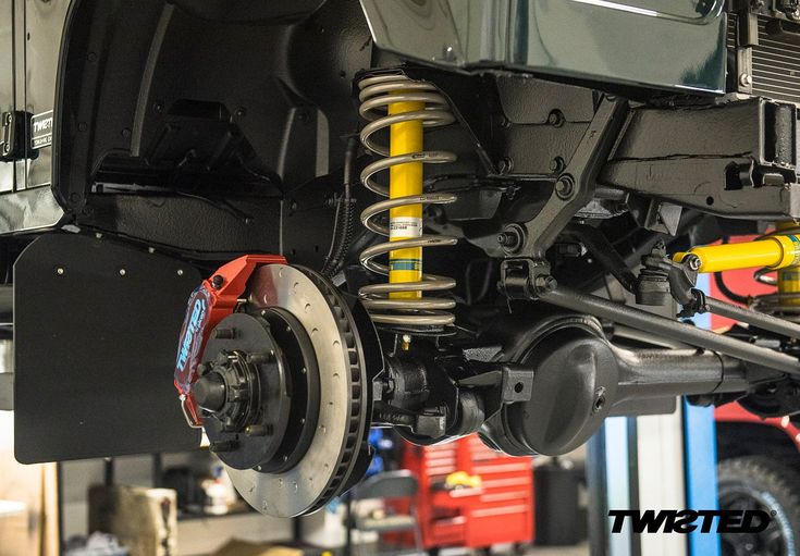 The best changes aren't always visible. Twisted progressive #suspension completely transforms the drive of the #Defender, making it smoother and more predictable. *Link in bio* ➡️ Swipe  Images 1-3: @james_mk2  #Yorkshire #Handmade #Handcrafted #LandRover #LandRoverDefender #AntiOrdinary #DefenderRedefined #Redefined #LinkInBio #Details #Style #Lifestyle