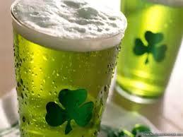 Cerveza verde en festividades de San Patricio.