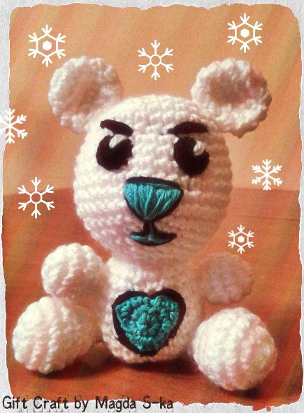 Snow white teddybear with a turquoise nose :) #Crochet #sweet #teddy