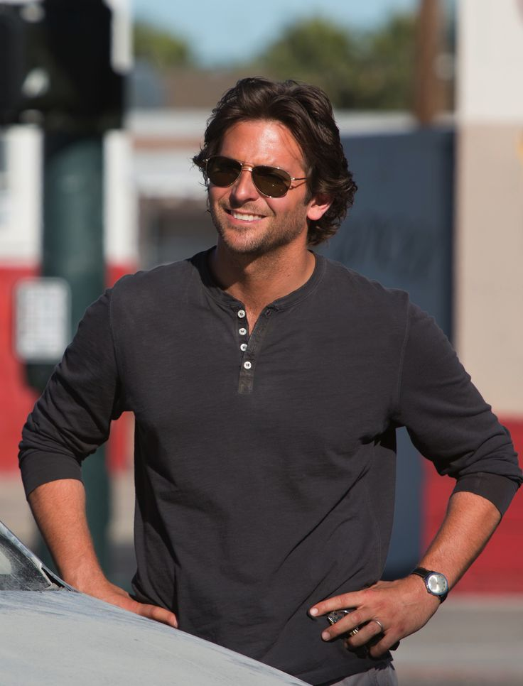 20 Pictures of Bradley Cooper looking hot in The Hangover Part III!