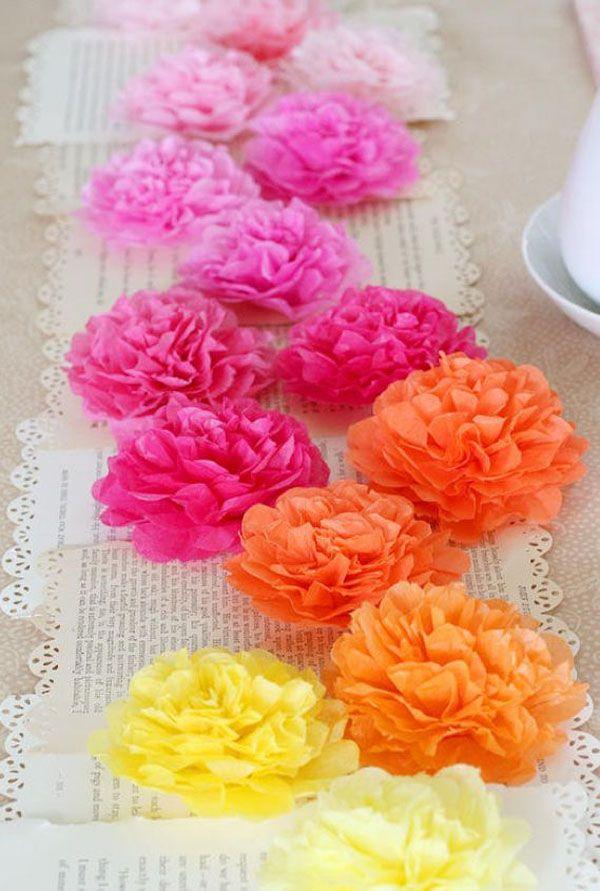tissue paper flower table runner http://weddingwonderland.it/2015/06/fiori-di-carta-matrimonio.htmlp