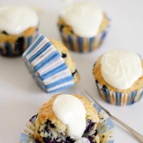 Muffinit mustikasta ja kreikkalaisesta jogurtista