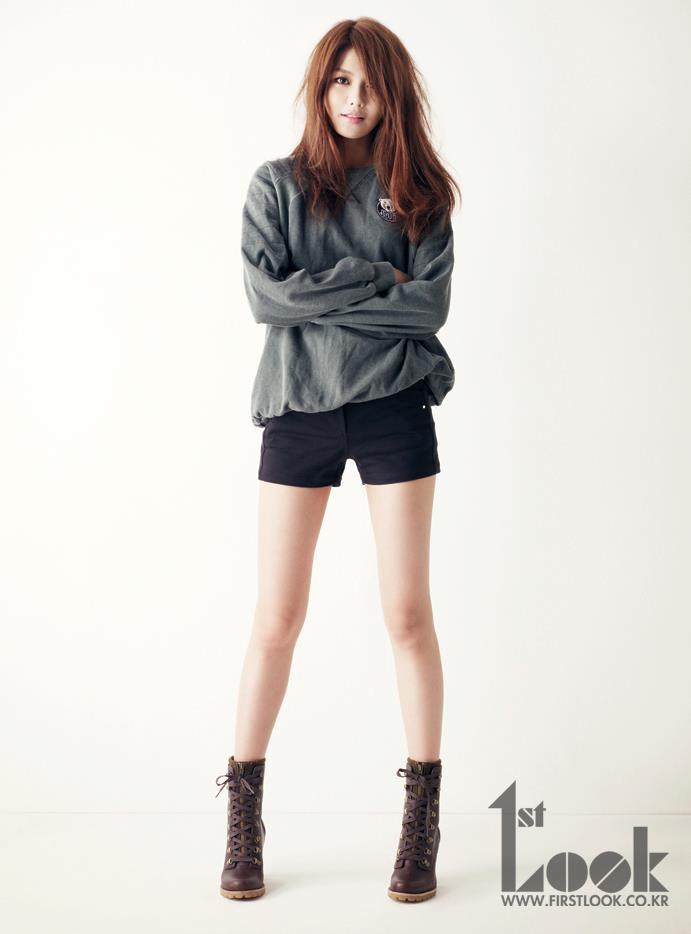 Soooyoung: Kpop Fashion, Miniskirt,  Minis, Girls Generation, Fashion Style, Soo Young, Generation Sooyoung, Choi Sooyoung, Snsd Sooyoung