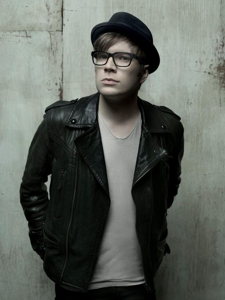 HAPPY BIRTHDAY PATRICK THEY GROW UP SO FAST :D 31st birthday :) :)>>>comment omg