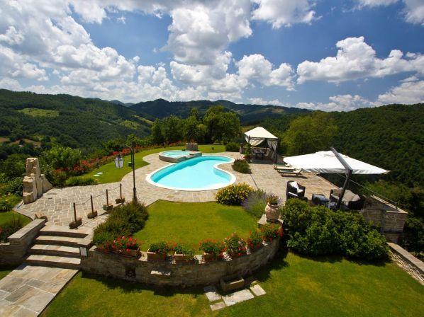 Luxe appartementen in Le Marche met zwembad en jacuzzi