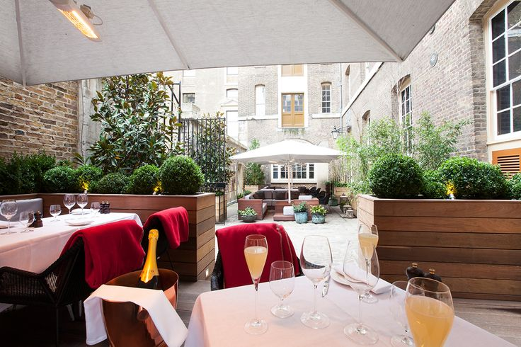 BRUNCH - 18th century warehouse that was originally used by the East India Company, New Street Grill offers British breakfast classics within a varied grill-style brunch menu. With an outside terrace for alfresco dining, this is the perfect spot to enjoy a summer brunch in the sunshine. Order: The Full English for guarenteed gastronomical satisfaction. There's even an option to add unlimited Prosecco to your meal. Yes please! 16A New Street, London, EC2M 4TR, 020 3503 0785, newstreetgril...