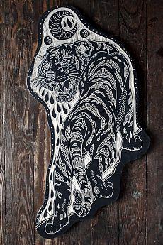 Bryn Perrott | Crawling Tiger and Moon. 2013