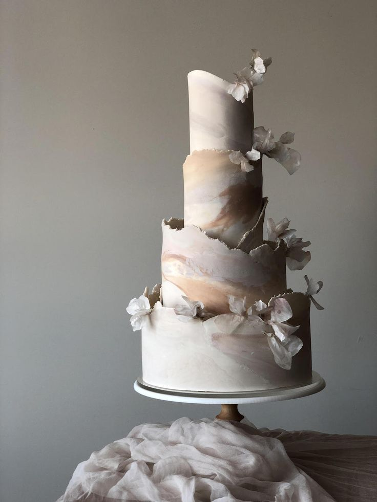 7 Tips When Choosing A Wedding Cake With Expert Cake Baker Jasmine Rae | The Bridal Journey | Online Bridal Magazine