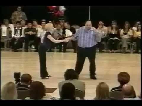 Cute Couple Dancing - YouTube