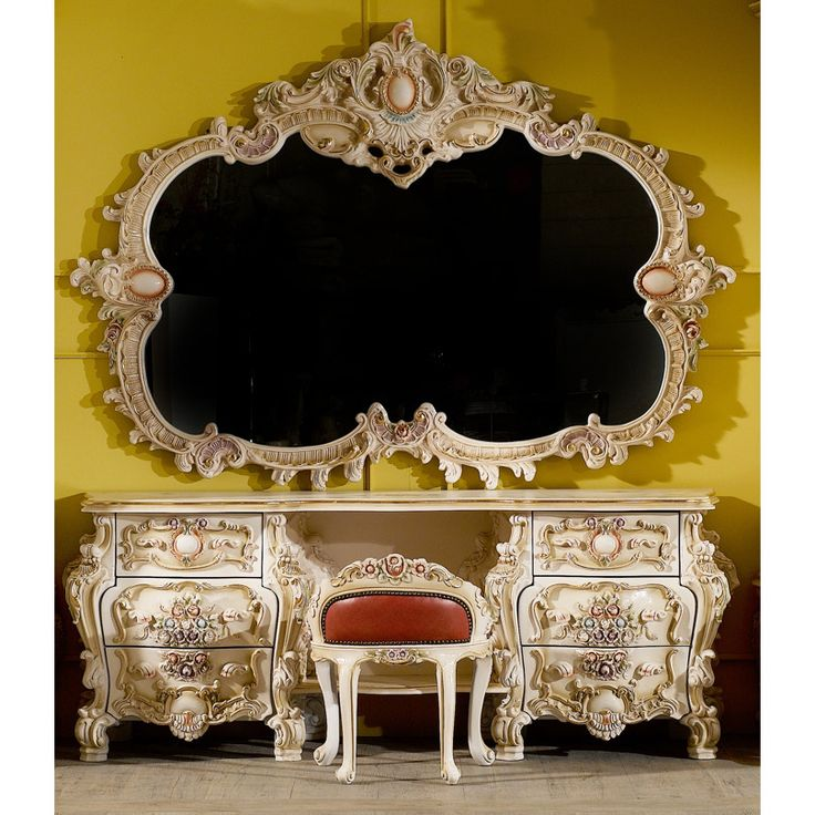 Best 25 Baroque Furniture Ideas On Pinterest Modern Baroque Victorian Furniture And Goth Bedroom