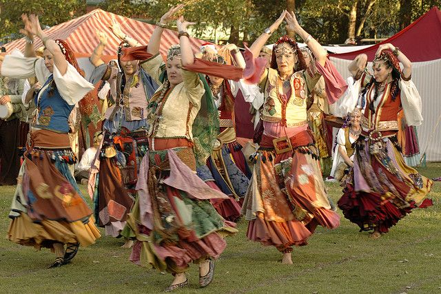 Romany Gypsies | Gypsy Living Traveling In Style| 20090711_Abbey Medieval Festival_ Romany Gypsy Dancers - 1819 | Flickr ...