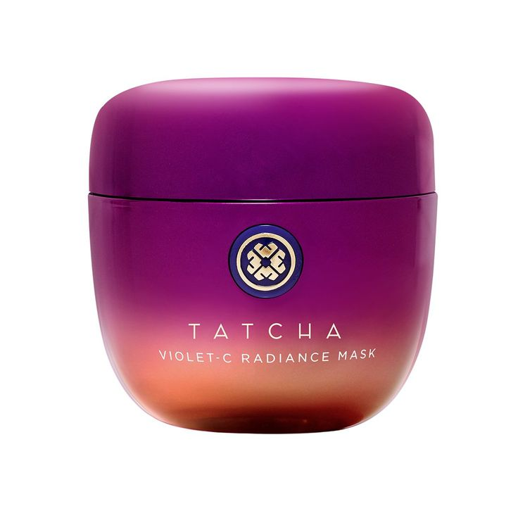 A creamy anti-aging mask, packed with Japanese beautyberry, 2 types of Vitamin C and AHAs from 7 fruits, that unveils softer, glowing skin. Vitamin C Face Mask, Best Japanese Skincare, Japanese Beauty, Korean Skincare, Organic Face Moisturizer, Best Vitamin C, Peach And Lily, Anti Aging Mask, The Violet