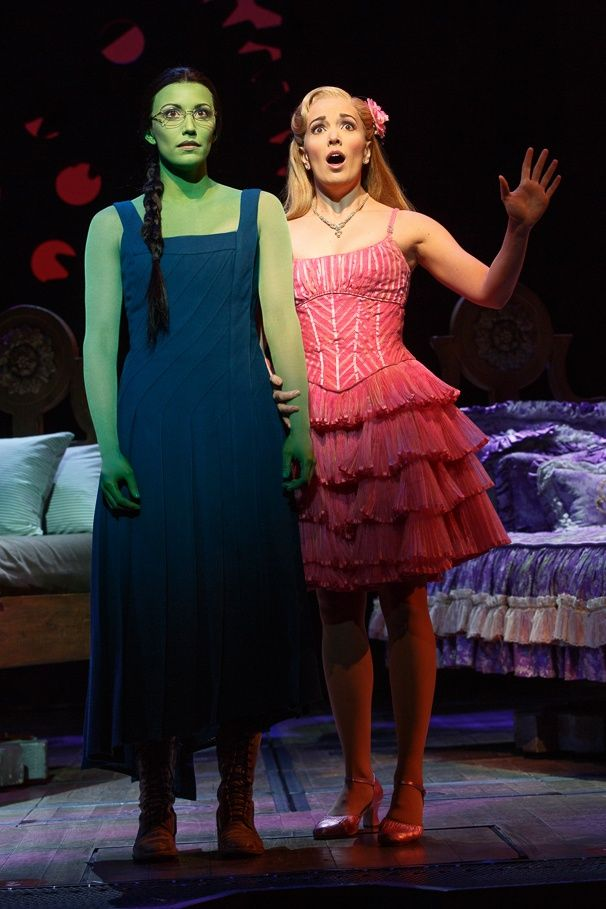 Caroline Bowman as Elphaba and Kara Lindsay as Glinda in WICKED
