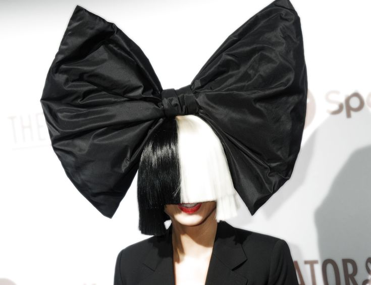20 Epic Songs You Never Knew Were Written By Sia | StyleCaster