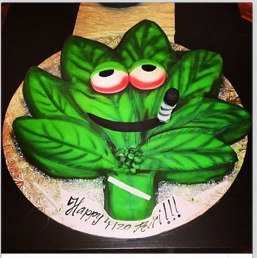 Pot Leaf Cake - From Rihanna Twitter Pics
