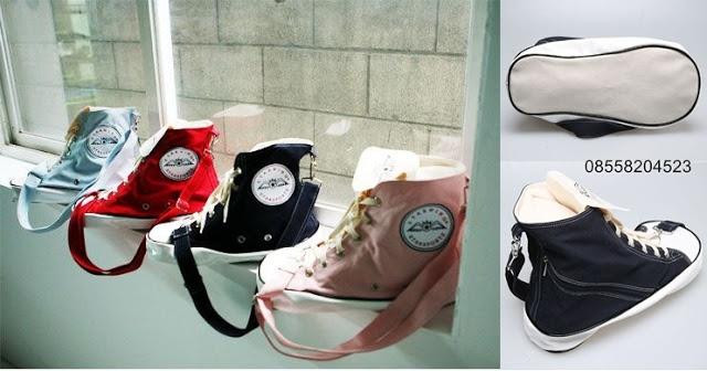 Sneaker Shaped Canvas Bag (Rp 150.000,-)   outfitorganizer.com 08558204523