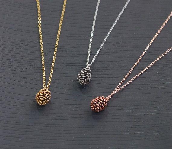 Rose Gold Pine Cone Halskette / Rosa Gold von BLACKKOLLABO auf Etsy