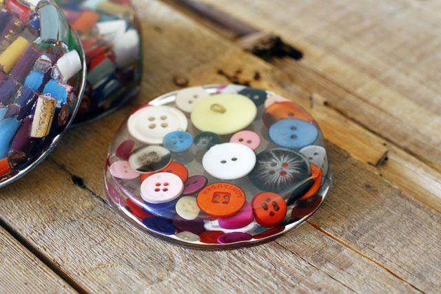 resin coasters: Coaster Idea, Paper Weight, Diy Craft, Resin Coaster, Crafts, Button Coaster