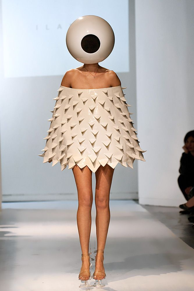 Cyclops mask, spiked dress object, clear heels, just. Amazing.
