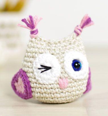DIY Small winking amigurumi owl - free crochet owl pattern // Miniatűr horgolt kacsintó bagoly - ingyenes amigurumi minta // Mindy - craft & DIY tutorial collection
