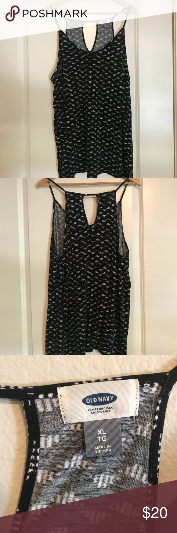 Black and White OLD NAVY Tank Top Gently warn, great condition Old Navy blue Tank Top. XL I have 3 different colors!! Please check my page for other options available!! No swaps😊 Old Navy Tops Tank Tops