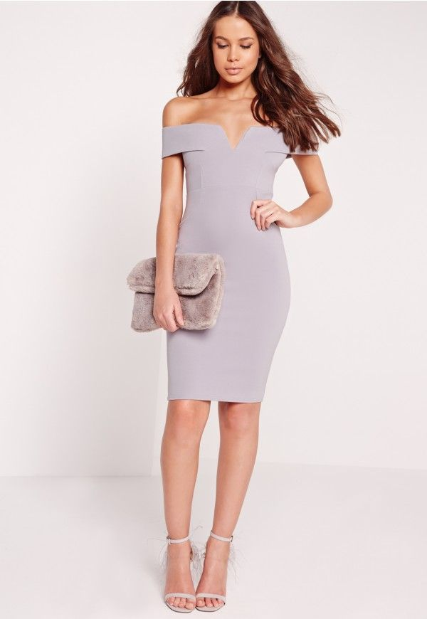 We love how bardot dresses make you look instantly and effortlessly sexy. This one needs to be worn this weekend! Featuring a smokin' ice grey shade, V front, midi length and bardot silhouette, you'll be sending out those girl crush vibes. ...