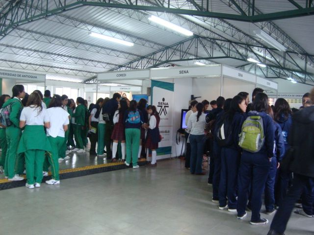 Feria Educativa con asistencia de 16 de los 23 municipios del Oriente Antioqueño, actividad programada con la Mesa de Educación Superior.