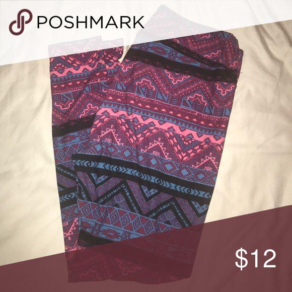 Lularoe Aztec print TC Aztec print leggings. Used condition. Pink and black color way. LuLaRoe Pants Leggings