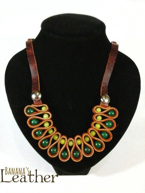 Collar de Cuero Genuino, y piedras jade