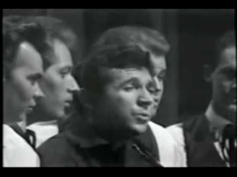 Sonny James - Young Love [1965] .. LIVE ... this one brings back memories for me...many good one!