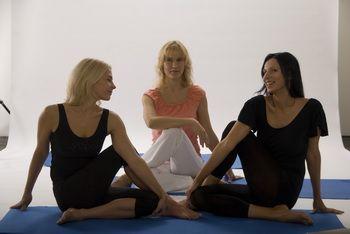 йога для начинающих: с чего начать и что это такое