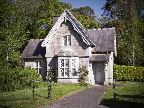 14 best images about old irish houses on pinterest for English cottage style homes for sale