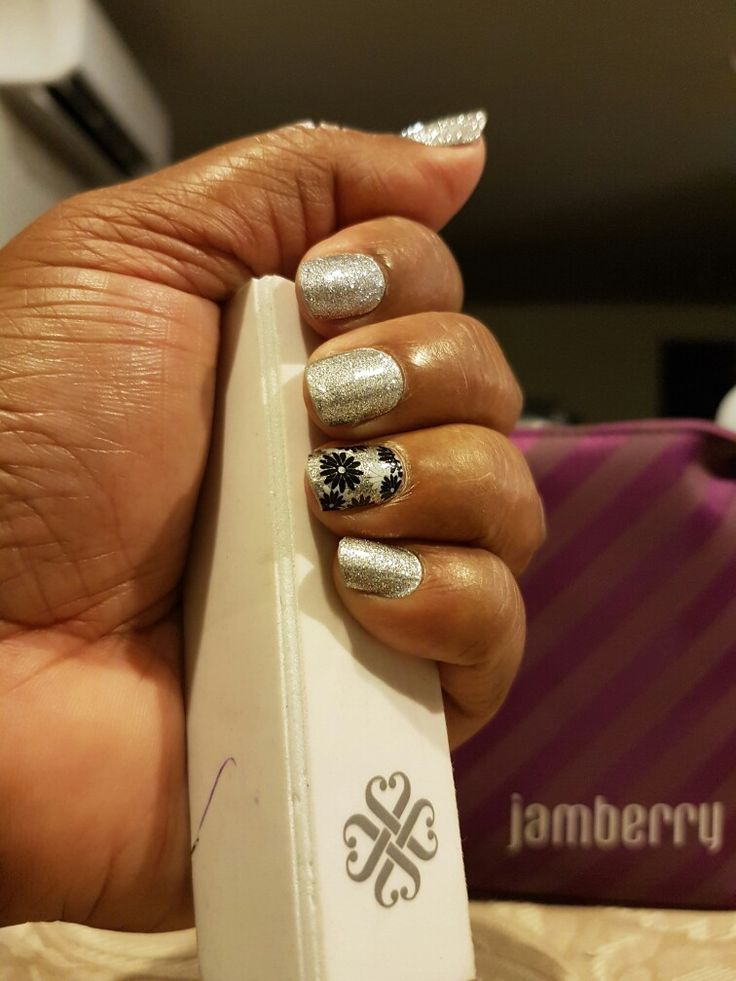 Flapper and diamond dust sparkle jamberry ohhlala